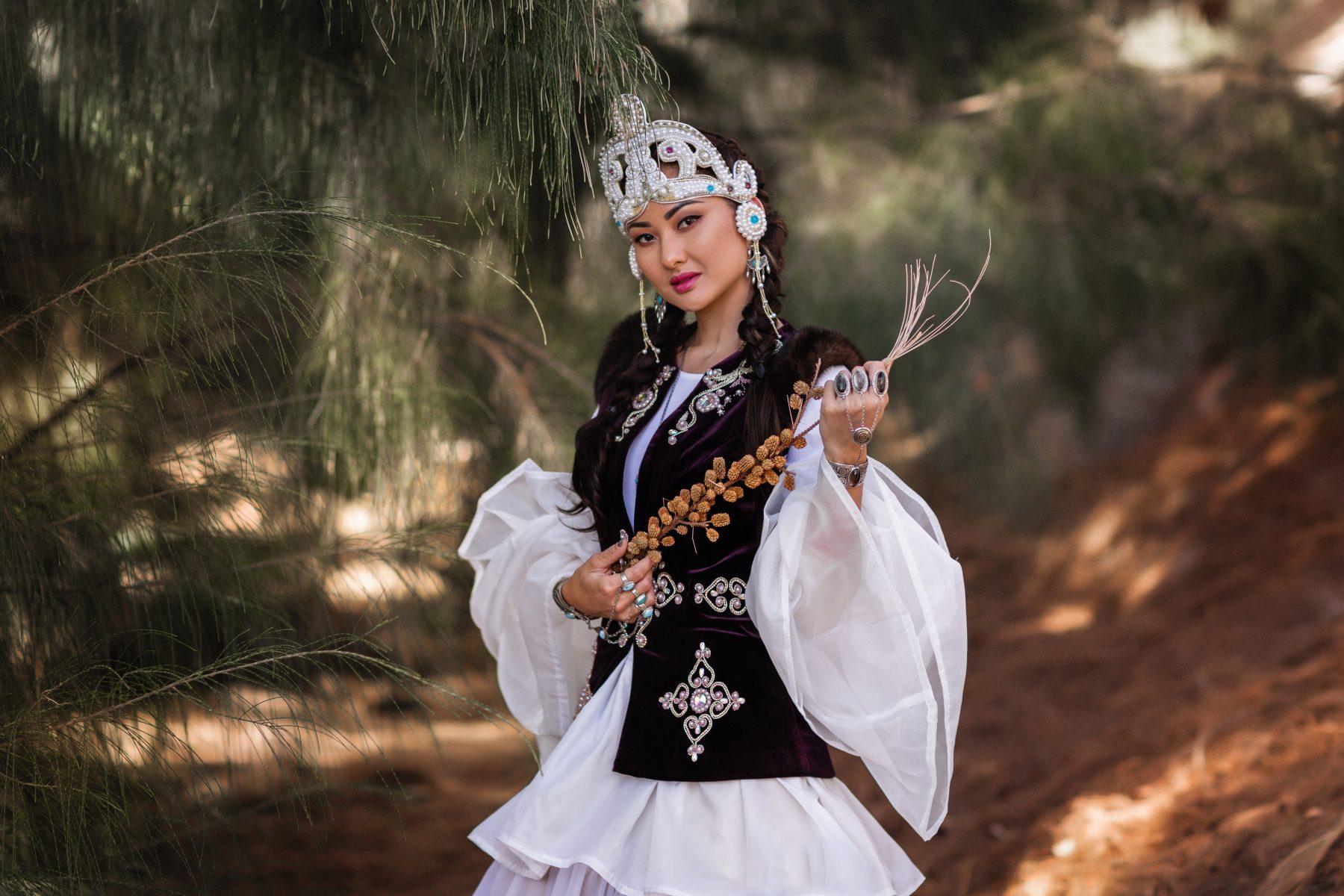 валенсии фото казашек в национальной одежде нынешнем году был